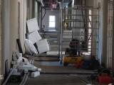 Prace budowlane wewnątrz pomieszczenia