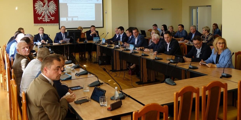 XXVIII Sesja Rady Powiatu Dębickiego 2021