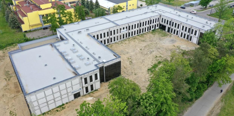 Lada dzień okaże się, kto i za ile dokończy budowę szkoły specjalnej w Dębicy